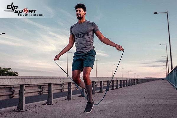 So sánh giữa chạy và nhảy dây