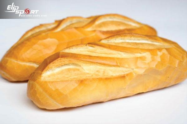 1 ổ bánh mì bao nhiêu calo? Bánh mì thịt, bánh trứng, bánh mì chả cá bao nhiêu calo?