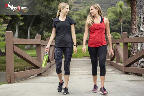 đi bộ hay chạy bộ giảm mỡ bụng