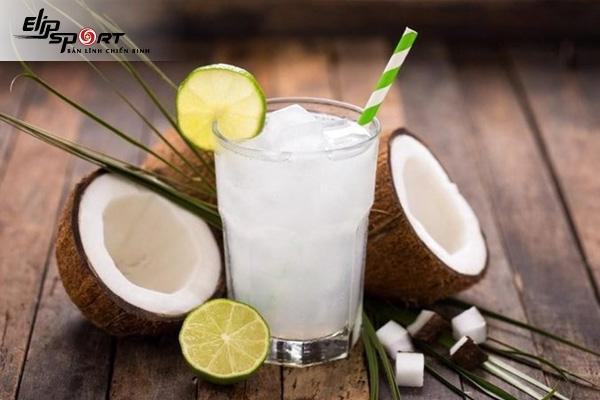 Nước Dừa Bao Nhiêu Calo? Uống Nước Dừa Có Giảm Cân Không
