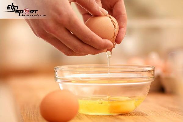 trứng gà ung ăn được không
