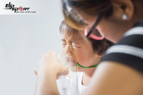 trẻ bị suyễn có nguy hiểm không