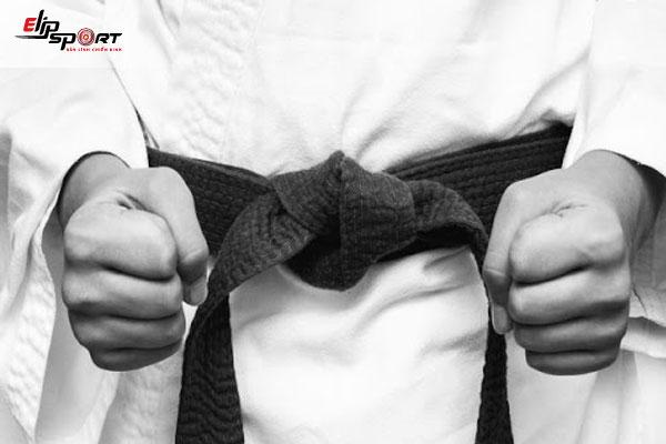 cách thắt đai võ taekwondo