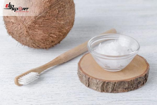 đánh răng dầu dừa