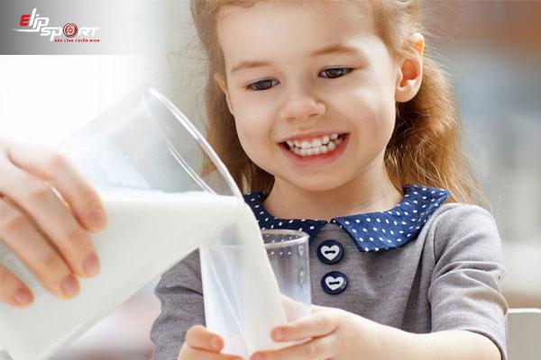 sữa nào dễ tăng cân cho bé