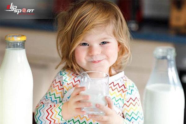 uống sữa nào để tăng cân cho bé