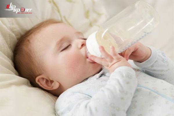 sữa nào dễ tăng cân cho bé sơ sinh