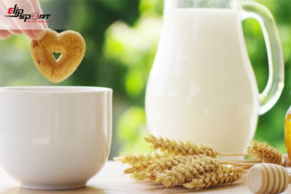 uống sữa tăng cân có hại không