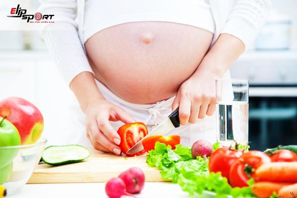 chế độ ăn mẹ bầu không tăng cân