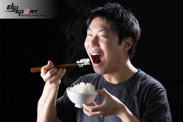 ăn cơm bữa sáng có tăng cân không