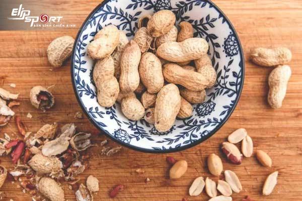 ăn đậu phộng có nóng không