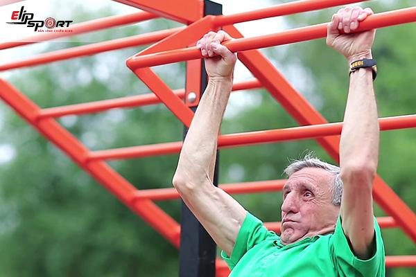người cao tuổi có tập gym được không