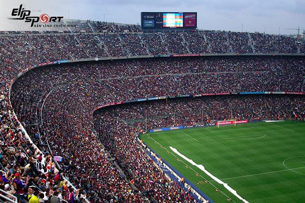sân bóng đá lớn nhất thế giới