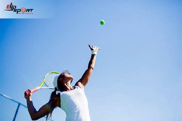 Cách giao bóng tennis hiệu quả