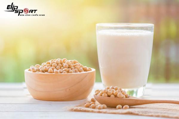 Chuẩn bị mang thai có nên uống sữa đậu nành?
