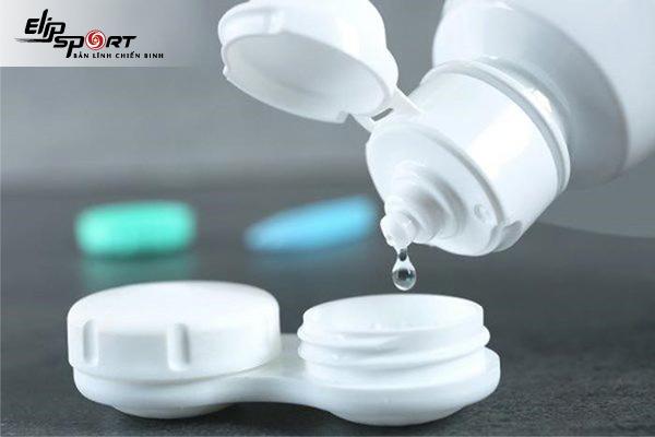 Cách bảo quản lens khi không có nước ngâm
