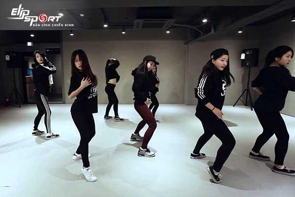 nhảy hiện đại cơ bản