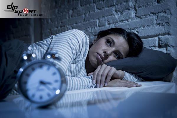 xoa bóp chữa mất ngủ