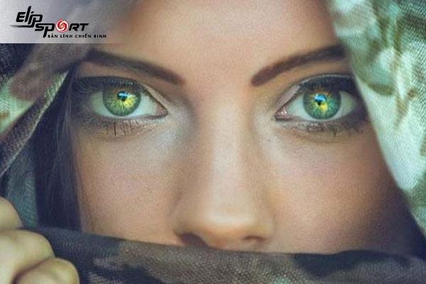 cách đánh phấn mắt cho da ngăm