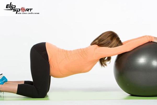Hướng dẫn thực hiện bài tập yoga cho bà bầu 3 tháng giữa