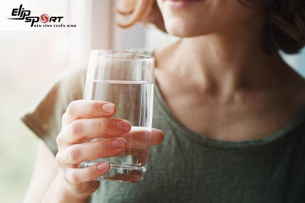 uống nước tăng lực có tốt không