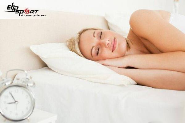 Khoả thân khi ngủ có tốt không? Tại sao?
