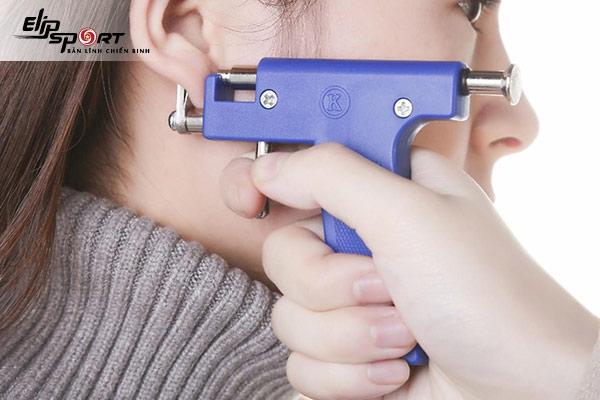 bấm lỗ tai bao lâu thì lành