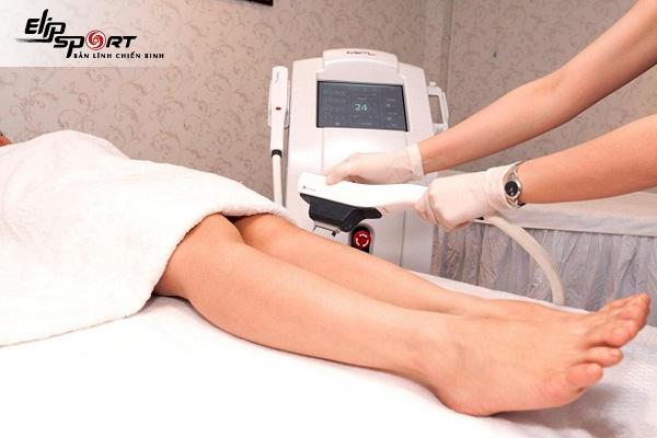 Tại sao lông tay chân mọc nhiều ở nữ? Cách khắc phục