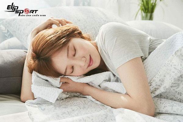 ngủ hay bị tê tay chân là bệnh gì