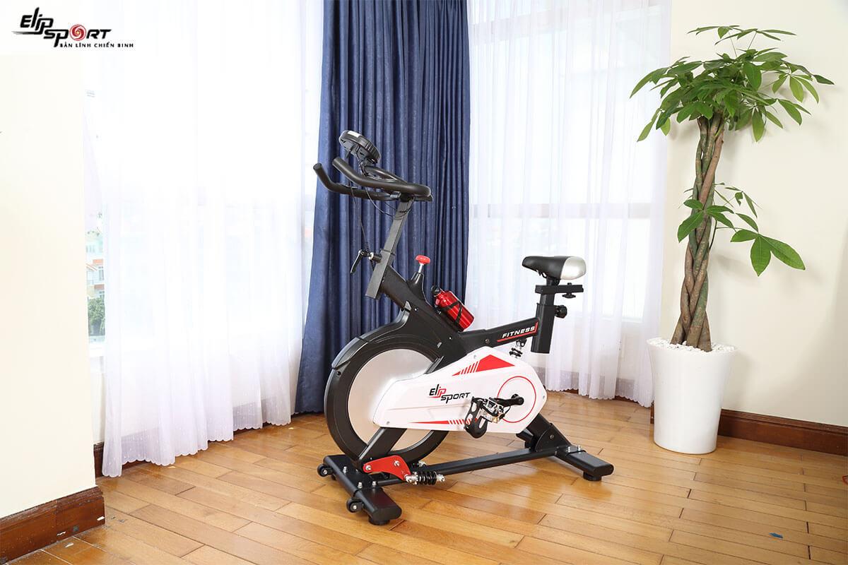 Đạp xe tại nhà