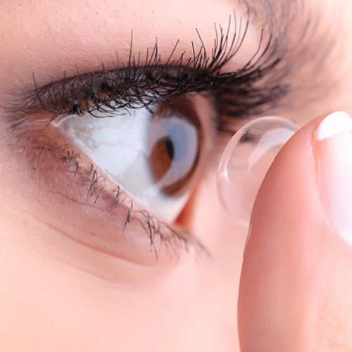 Giải đáp nhanh: Lens giãn tròng sử dụng ra sao?