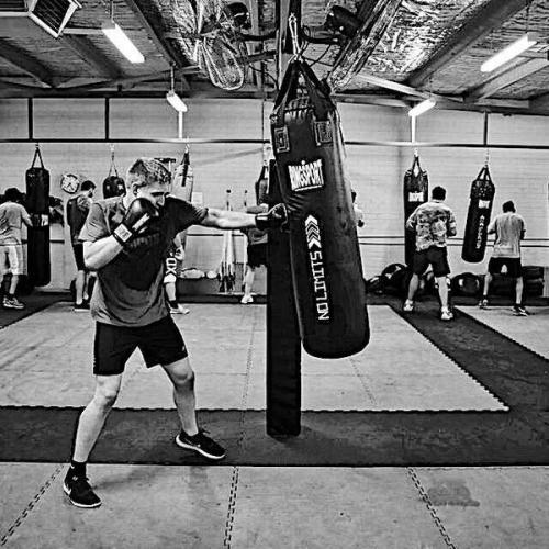 Bài tập tăng lực đấm cho tay khi ra đòn trong boxing