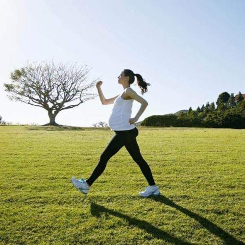 Bài tập thể dục cho bà bầu 3 tháng cuối thai kỳ tại nhà