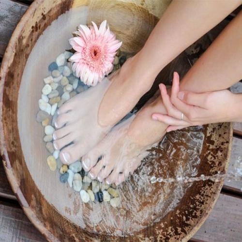 Ngâm chân có tác dụng gì với sức khỏe con người?