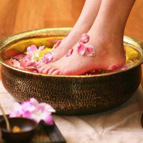 Thảo dược ngâm chân nào tốt? Tác dụng của ngâm chân thảo dược