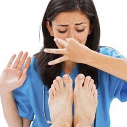 Mẹo trị móng chân có mùi hôi cho hiệu quả nhanh chóng