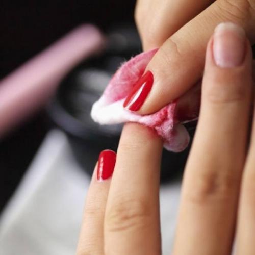 Cách vệ sinh móng tay đơn giản, hiệu quả ngay tại nhà