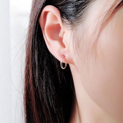 Nguyên nhân lỗ tai bị hôi và cách chữa trị phù hợp