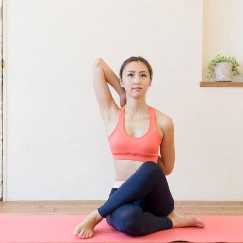 Bài tập chữa gù lưng dễ dàng thực hiện ngay tại nhà