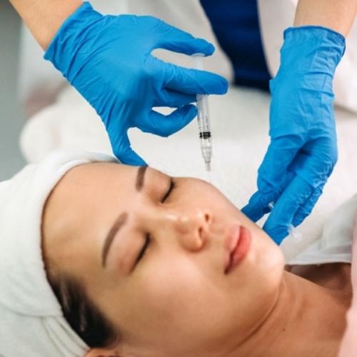 Tiêm botox là gì? Tiêm botox xóa nếp nhăn có an toàn không?