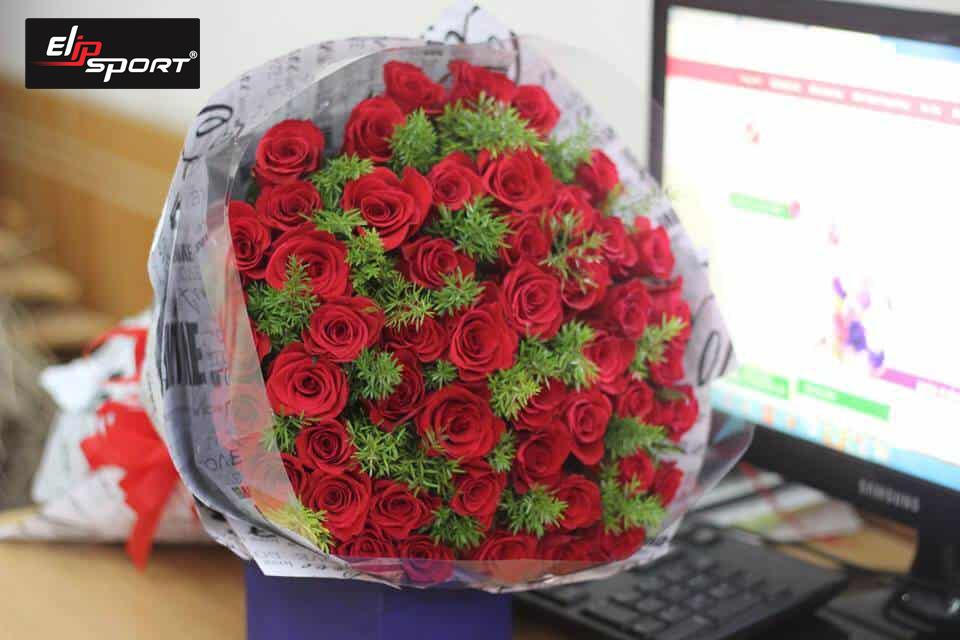 CEO Elipsport dành tặng 999 đóa hồng và một phần quà đặt biệt cho 1.000 khách hàng thân yêu ngày 8-3 - ảnh 3