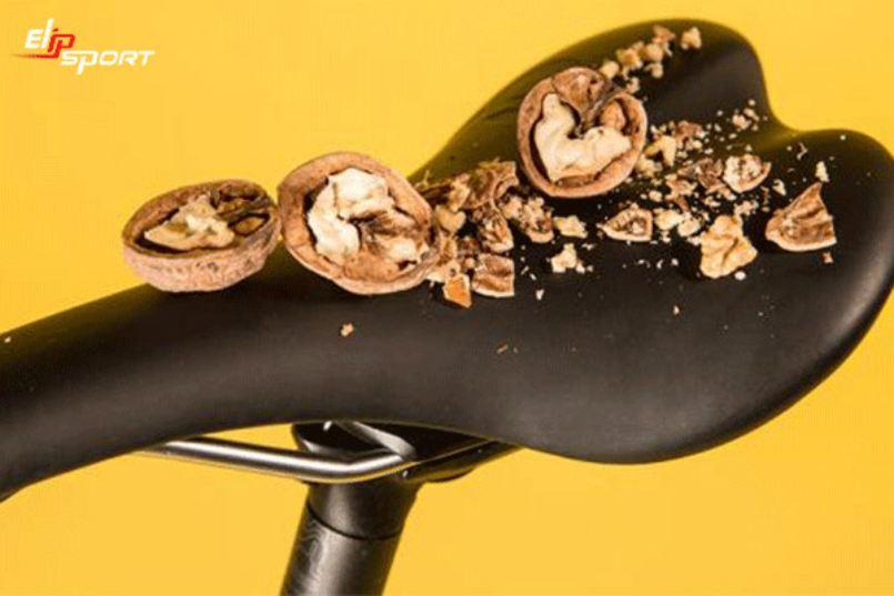 đạp xe gây vô sinh