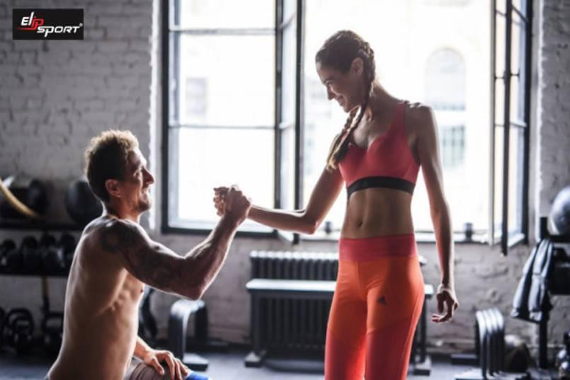 Tập Gym giúp nhỏ bắp tay