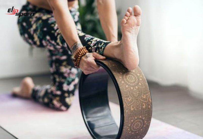 hướng dẫn tập yoga với vòng